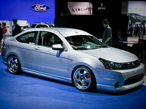 Ford Focus usa – pictures, information and specs - Auto