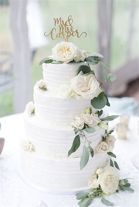 Chic Sage Green and Gold Wedding with Oodles of Eucalyptus
