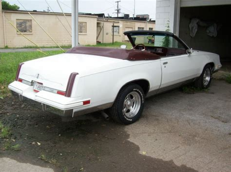 Oldsmobile Cutlass Coupe 1985 White For Sale