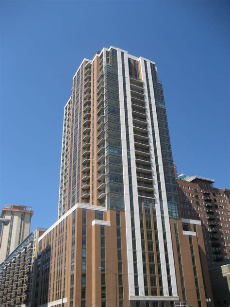 Astoria Tower, Chicago - (see pics & AVAIL)
