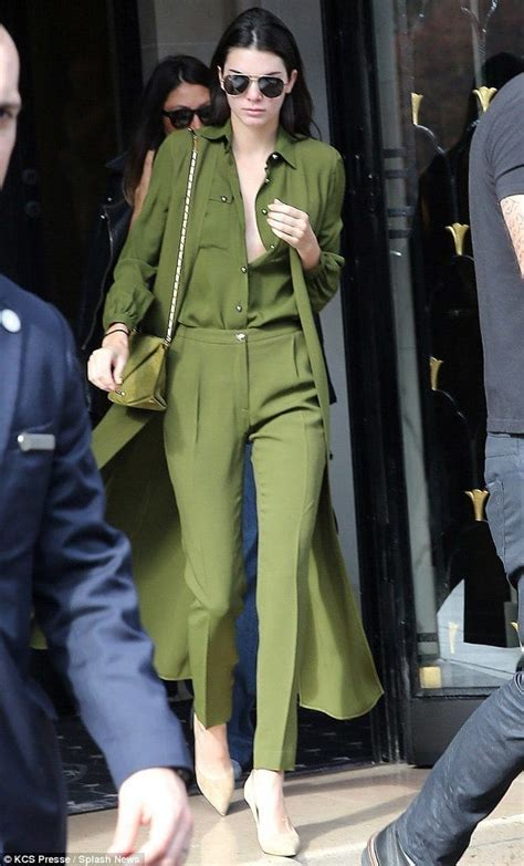 20 Times Kendall Jenner Goes Braless and Looks Simply Flawless