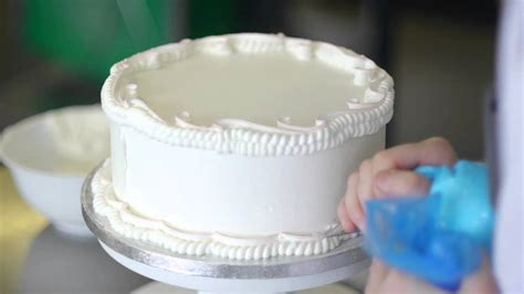 Royal Icing Cake Decoration Master Class with Charlotte
