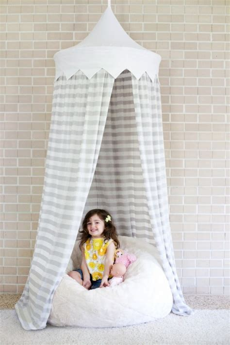 7 Easy And Cool DIY Kids' Canopy Tents For Indoors