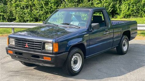 One-Owner, 246,000-Mile Mitsubishi Mighty Max Is Just